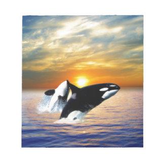 Ballenas en la puesta del sol libreta para notas