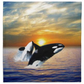 Ballenas en la puesta del sol servilletas de papel