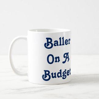 Baller en una taza del presupuesto