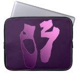Ballerina feet laptop sleeve