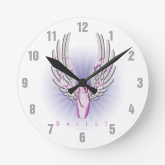 Ballet con alas (danza) reloj redondo mediano