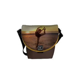 Ballet en la mini bolsa de mensajero de la playa bolsas messenger