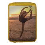 Ballet en la playa fundas para macbook air