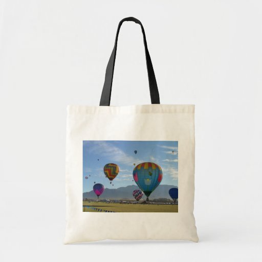 Balloon cluster budget tote bag