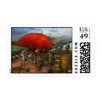 Balloon - Filling balloon on Wanamaker's  - 1911 Postage