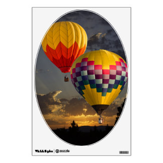 BALLOONS ALOFT WALL STICKER