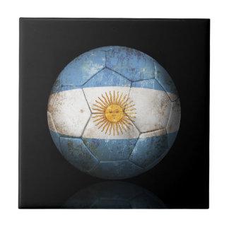 Balón de fútbol argentino gastado de fútbol de ban teja  ceramica