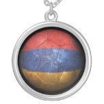 Balón de fútbol armenio gastado de fútbol de bande colgante