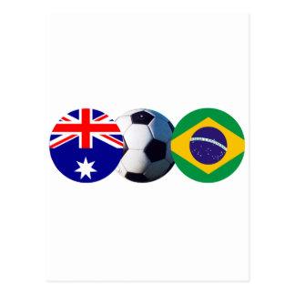 Balón de fútbol Australia y bandera del Brasil el Postal
