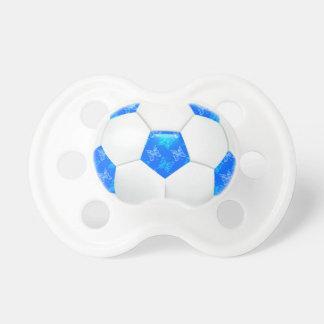 Balón de fútbol azul de las mariposas chupetes