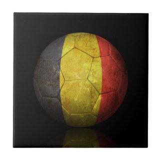 Balón de fútbol belga gastado de fútbol de bandera tejas
