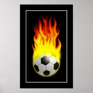 Balón de fútbol caliente en el fuego - POSTER