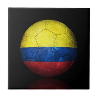 Balón de fútbol colombiano gastado de fútbol de ba tejas