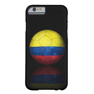 Balón de fútbol colombiano gastado de fútbol de funda de iPhone 6 barely there