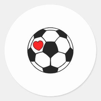 Balón de fútbol (corazón rojo) pegatina redonda
