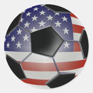 Balón de fútbol de la bandera de los E.E.U.U. Pegatina Redonda