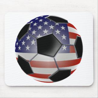 Balón de fútbol de la bandera de los E E U U Alfombrillas De Ratones