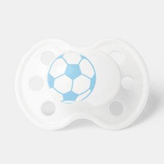 Balón de fútbol de los azules cielos chupete de bebé