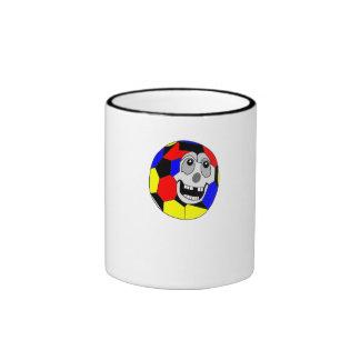 Balón de fútbol del dibujo animado tazas
