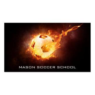 Balón de fútbol en el fuego - tarjeta de visita