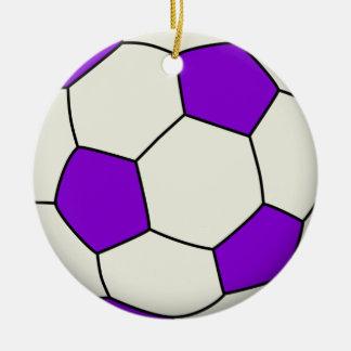 Balón de fútbol en púrpura adorno navideño redondo de cerámica