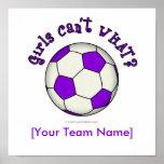 Balón de fútbol en púrpura posters