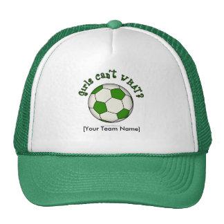 Balón de fútbol en verde gorros