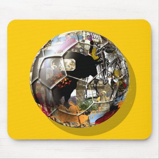 ¡Balón de fútbol español - la cultura y el fútbol  Tapetes De Ratón