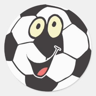 balón de fútbol feliz del dibujo animado etiqueta redonda