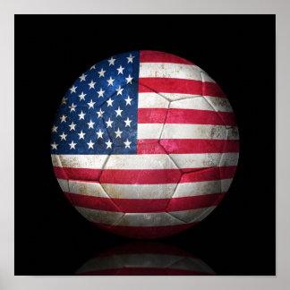 Balón de fútbol gastado de fútbol de bandera ameri póster