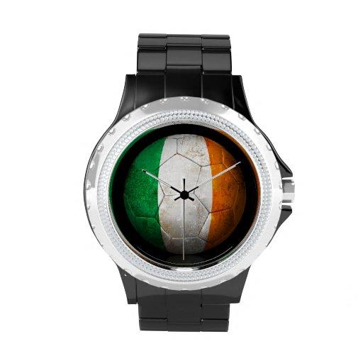 Balón de fútbol irlandés gastado de fútbol de band relojes de mano