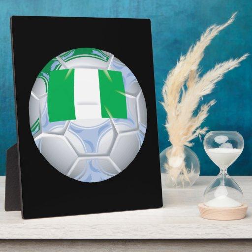 Balón de fútbol nigeriano placa de madera