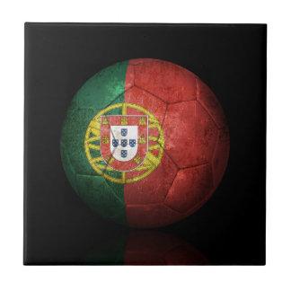 Balón de fútbol portugués gastado de fútbol de ban tejas