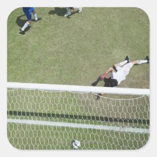 Balón de fútbol que falta del portero del fútbol colcomania cuadrada