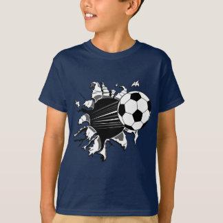 Balón de fútbol que revienta hacia fuera playera
