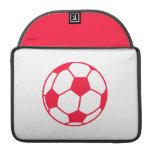 Balón de fútbol rojo del escarlata fundas para macbook pro