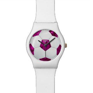 Balón de fútbol rosado femenino del camuflaje relojes