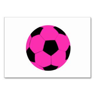 Balón de fútbol rosado y negro