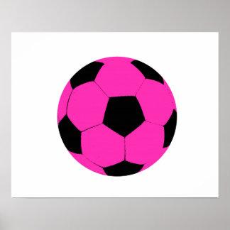 Balón de fútbol rosado y negro póster