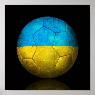 Balón de fútbol ucraniano gastado de fútbol de ban póster