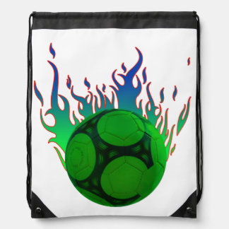 Balón de fútbol verde en el fuego mochila