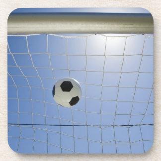 Balón de fútbol y meta 2 posavasos