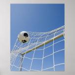 Balón de fútbol y meta 3 póster