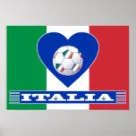 Balón sobre el corazón y bufanda de ITALIA Poster