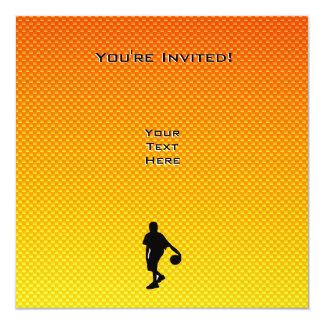 "Baloncesto amarillo-naranja invitación 5.25"" x 5.25"""