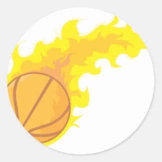 Baloncesto caliente llameante pegatina redonda