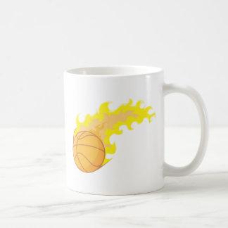 Baloncesto caliente taza de café