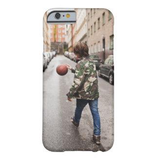 Baloncesto de goteo del adolescente funda barely there iPhone 6