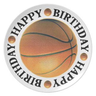 Baloncesto del feliz cumpleaños plato