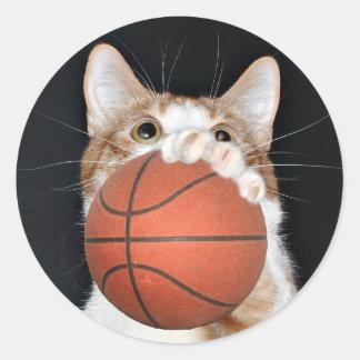 Baloncesto del gato pegatina redonda